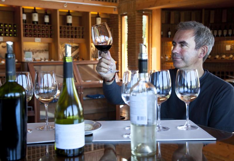 Ob der Preis für einen Wein gerechtfertigt ist, zeigt sich im Glas!
